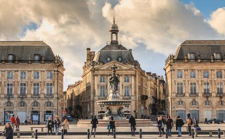 Photo pour Bordeaux, France - January 26, 2018 : people are waiting for the tram, Place de la Bourse on a winter day - image libre de droit