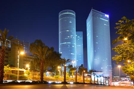 Photo pour Night city, Azrieli center, Israel - image libre de droit