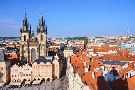 Foto de PRAGUE, CZECH REPUBLIC - MAY 2017: Tyn Church old town center architecture place tower house capital city prague czech bird perspective - Imagen libre de derechos