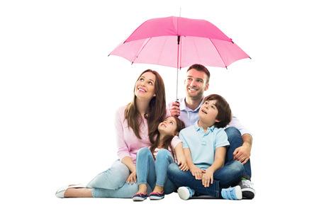Foto de Family with the umbrella - Imagen libre de derechos