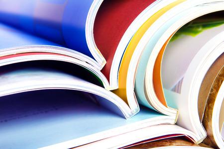 Photo pour stack of the colorful magazines - image libre de droit