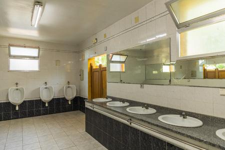 Photo pour Dirty public bathroom in Portugal. Nobody inside - image libre de droit