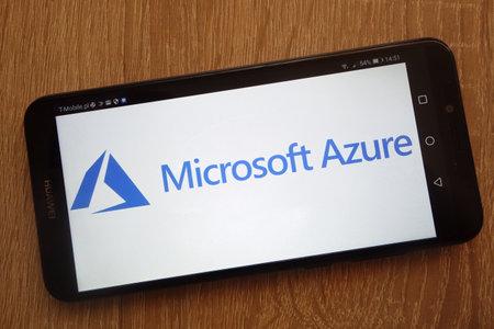 Foto de KONSKIE, POLAND - SEPTEMBER 01, 2018: Microsoft Azure logo displayed on a modern smartphone - Imagen libre de derechos