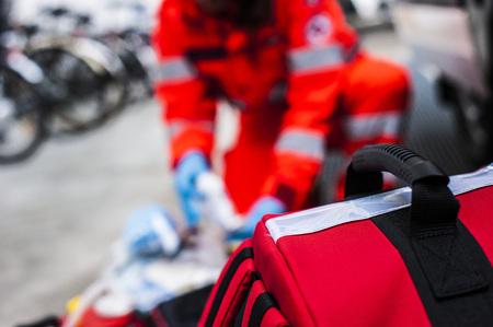 Foto de volunteer rescue worker with medical material - Imagen libre de derechos