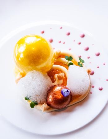 Foto de Molecular gastronomy creativity modern cuisine, beautiful creativity food decoration idea - Imagen libre de derechos