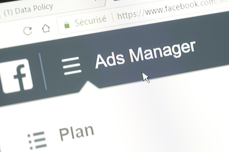 Photo pour Houilles, France - April 10, 2018:Word Ads Manager of the Facebook website with the mouse cursor positioned on it. This menu allows to create advertising campaigns targeted on the social network - image libre de droit