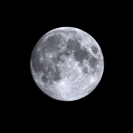 Foto de Isolated shot of a summers full moon - Imagen libre de derechos