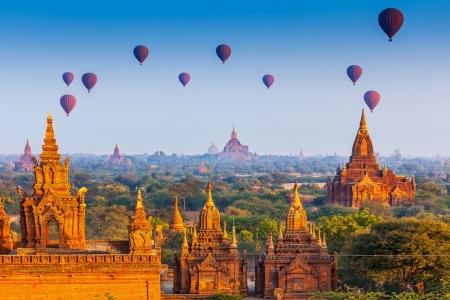 Photo pour temples in Bagan, Myanmar  - image libre de droit