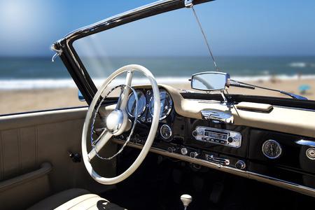 Photo pour Antique Car Interior - image libre de droit