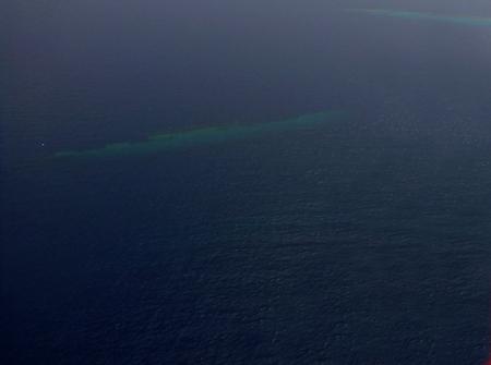 Foto de Sunken ship under surface - Imagen libre de derechos