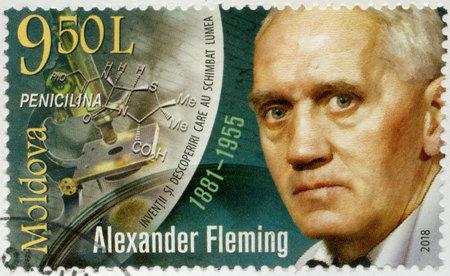 Foto de MOLDOVA - CIRCA 2018: A stamp printed in Republic of Moldova shows Sir Alexander Fleming (1881-1955), Discoverer of Penicillin, circa 2018 - Imagen libre de derechos