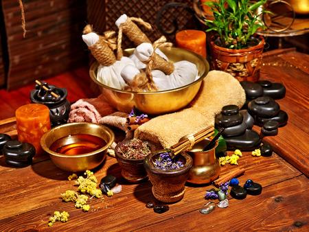 Foto de Luxury ayurvedic spa massage still life. - Imagen libre de derechos