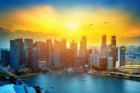 Photo pour Singapore cityscape at sunset. - image libre de droit