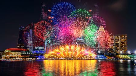 Photo pour Firework display in Singapore. - image libre de droit