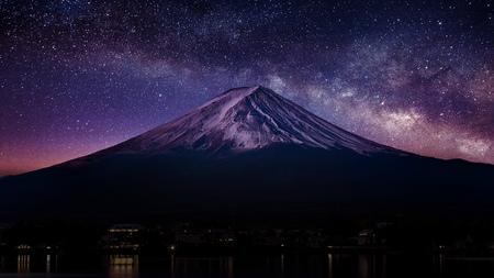 Photo pour Fuji mountain with milky way at night. - image libre de droit