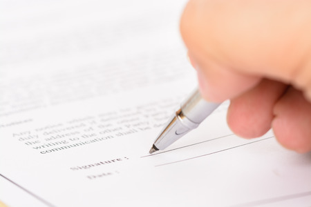 Foto per Signing contract form - Immagine Royalty Free
