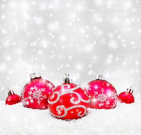 Foto de Decorative christmas background with bokeh lights and snowflakes - Imagen libre de derechos
