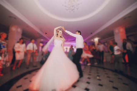 Foto per brides wedding party in the elegant restaurant with a wonderful light and atmosphere - Immagine Royalty Free
