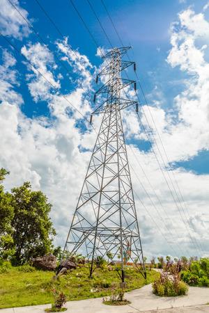 Foto de high voltage electric post - Imagen libre de derechos