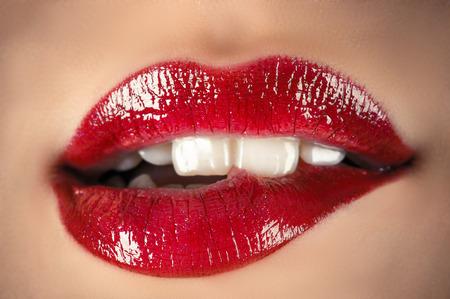 Photo pour sensual lips closeup - image libre de droit