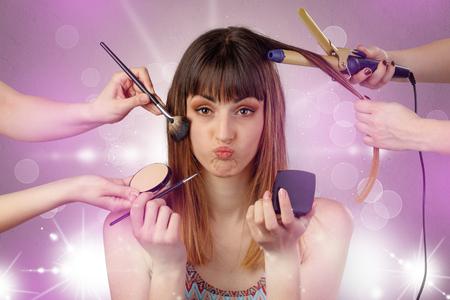 Foto de Young woman portrait with shiny pink salon concept - Imagen libre de derechos
