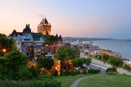 Foto de Quebec City skyline with Chateau Frontenac at sunset viewed from hill - Imagen libre de derechos