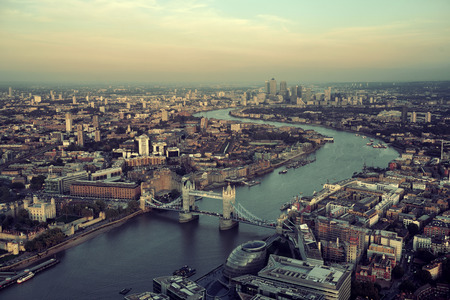 Foto de London rooftop view panorama at sunset with urban architectures and Thames River. - Imagen libre de derechos