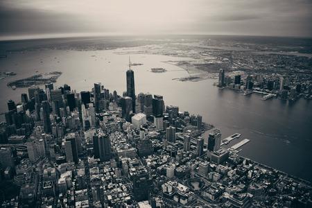 Foto de New York City Manhattan downtown aerial view - Imagen libre de derechos