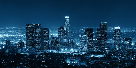 Photo pour Los Angeles downtown buildings at night - image libre de droit