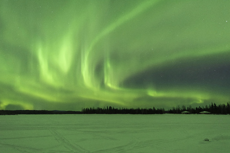 Photo pour Aurora borealis at Chena Lakes in Alaska - image libre de droit