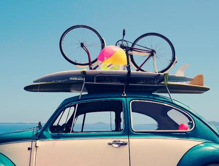 Photo pour Vintage Summer holiday road trip vacation, Travel concept with copy space - image libre de droit