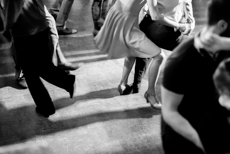 Photo pour Vintage style photo of dance hall with people dancing - image libre de droit