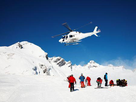 Foto de Skiing Helicopter, Mont Blanc ski resort, France, Europe. - Imagen libre de derechos