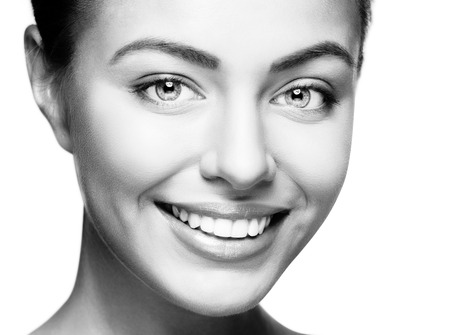 Foto de Beautiful woman smile. Teeth whitening. Dental care. - Imagen libre de derechos