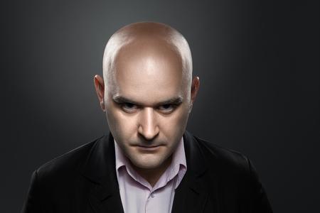 Foto de Portrait of a man with angry expression - Imagen libre de derechos