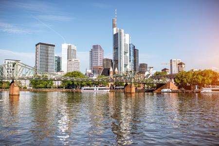Photo pour Frankfurt am Main cityscape - image libre de droit