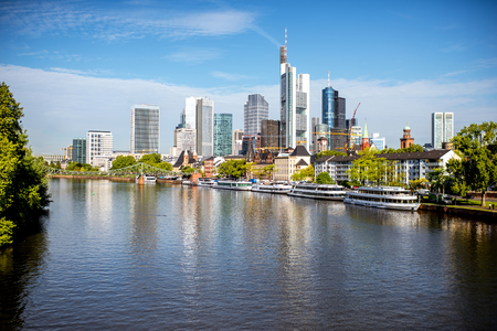 Photo pour Frankfurt am Main cityscape - image libre de droit