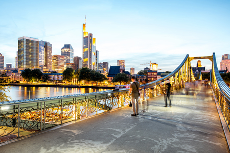 Photo pour Night view on the illuminated cityscape in Frankfurt - image libre de droit