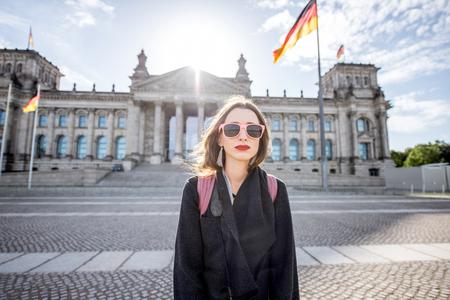 Foto de Woman traveling in Berlin - Imagen libre de derechos