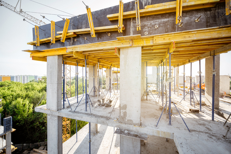 Foto de Formwork for concrete during the house construction process - Imagen libre de derechos