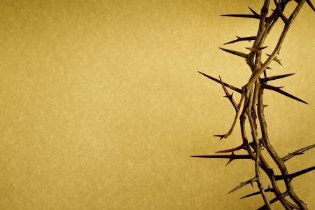 Photo pour This Crown of Thorns against parchment paper represents Jesus - image libre de droit
