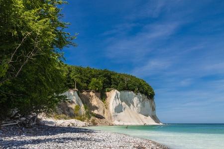 Photo pour Chalk cliffs on shore of the Baltic Sea on the island Ruegen  Germany   - image libre de droit