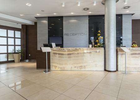 Foto de Modern hotel reception - Imagen libre de derechos