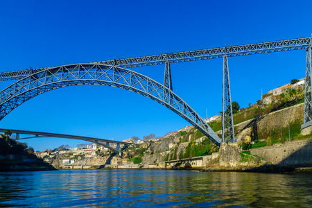 Photo pour View of the Maria Pia Bridge and the Infante bridge, and the Douro river, in Porto, Portugal - image libre de droit