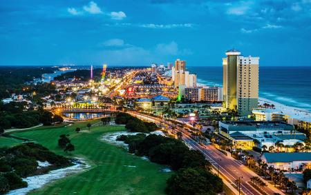 Foto de Panama City Beach, Florida, view of Front Beach Road at night during blue hour - Imagen libre de derechos