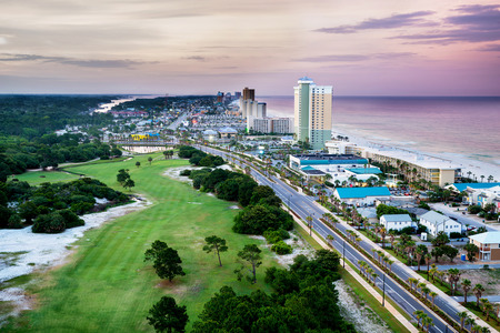 Foto de Panama City Beach, Florida, view of Front Beach Road at sunrise - Imagen libre de derechos