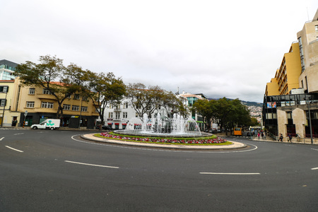 Photo pour Praca do Infante in Fuchal on the island Madeira, Portugal - image libre de droit