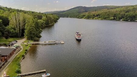 Foto de Lido at anchor U Kotvy on the reservoir at Brno Bystrc from above, Czech Republic - Imagen libre de derechos