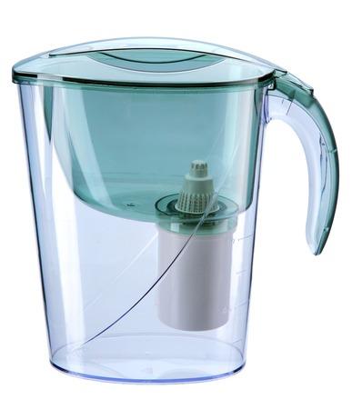 Photo pour Turquoise water filtration pitcher with filter - domestic water purifier  - image libre de droit