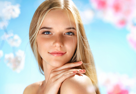Photo pour Attractive girl with perfect skin. Beauty & Skin care concept. Spring - image libre de droit